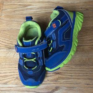 Stride Rite Sneaker 8.5W (little kids)